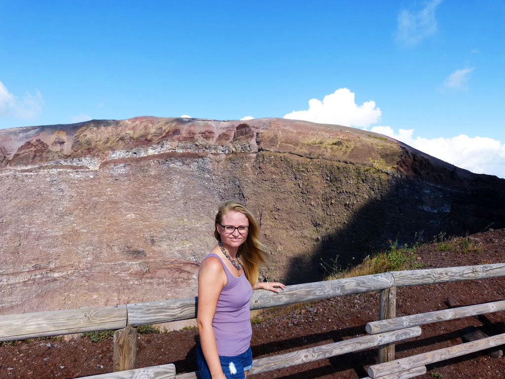 moments-of-travel-standing-at-the-top-of-the-volcano-vesuvius-in-italy