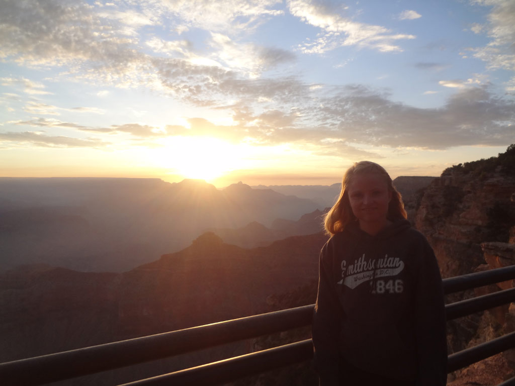 moments-of-travel-watching-the-sunrise-over-the-gran-canyon