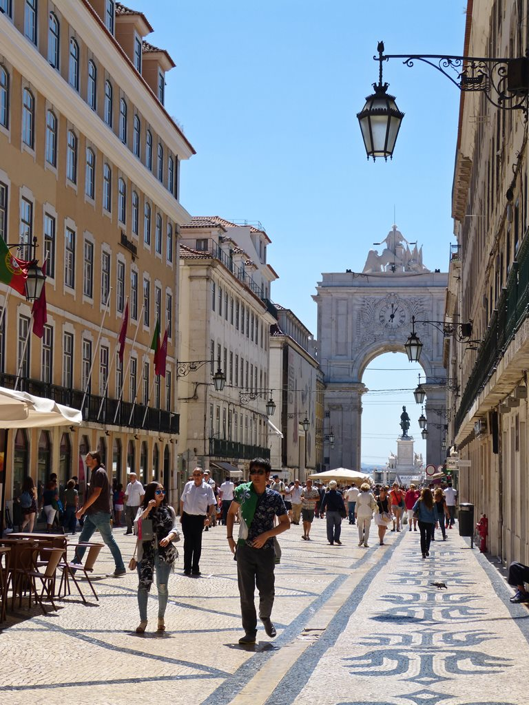 moments of travel in Lisbon, Portugal (19)