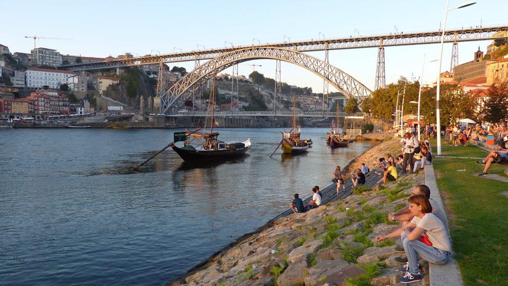 10 must dos in porto - ponte luis I - momentsoftravel.com