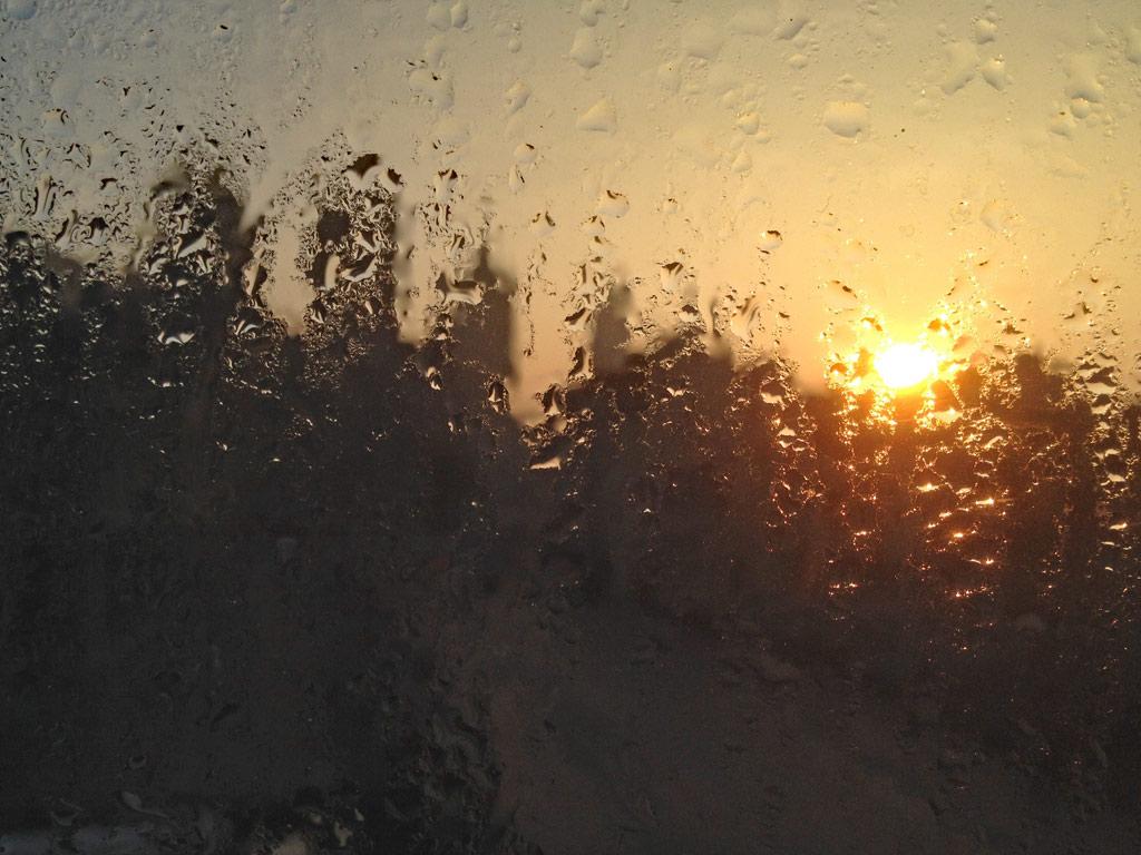 Sonnenaufgang, Wassertropfen am Fenster, Gent, Gent Sehenswürdigkeiten, Moments of Travel