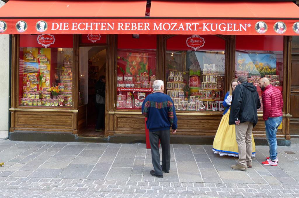 Mozartkugeln Geschäft Salzburg