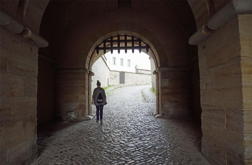 Frau Eingang Petersberg Erfurt