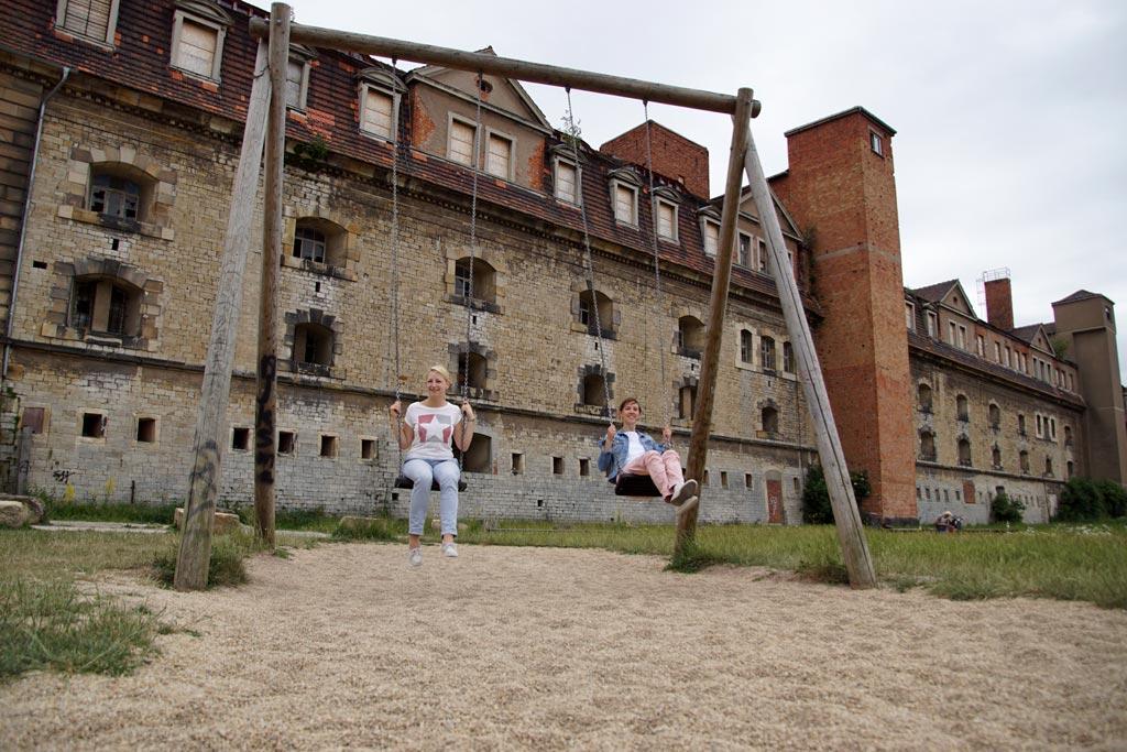 Frauen schaukeln Petersberg Erfurt