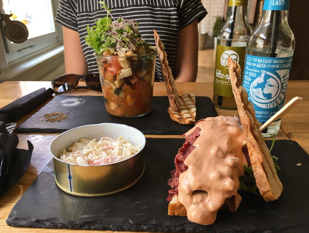 Mittagessen Sandwich im EAT Erfurt