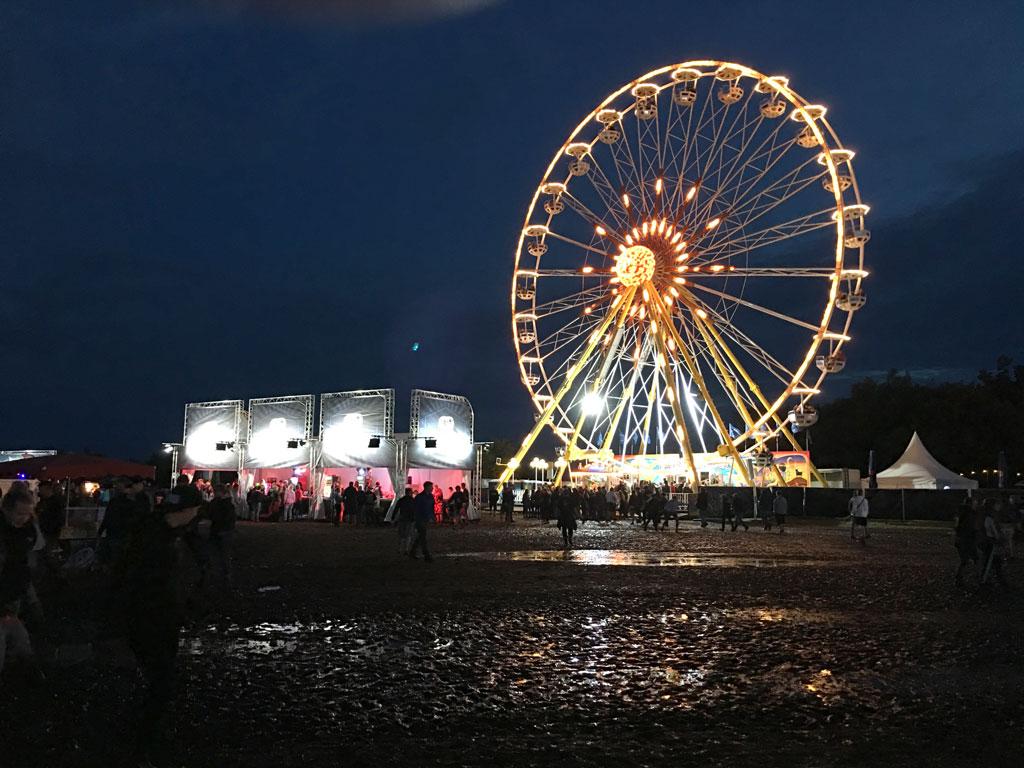 Riesenrad Nacht Matsch