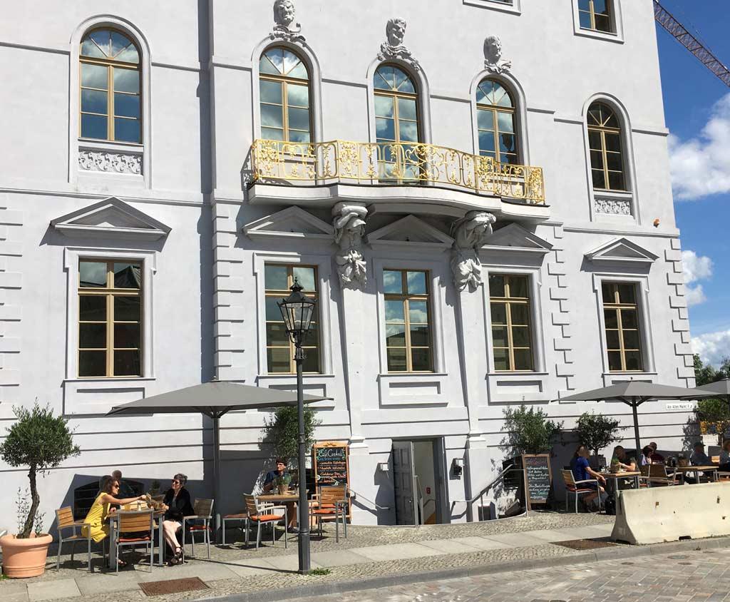 Haus grau Cafe Potsdam