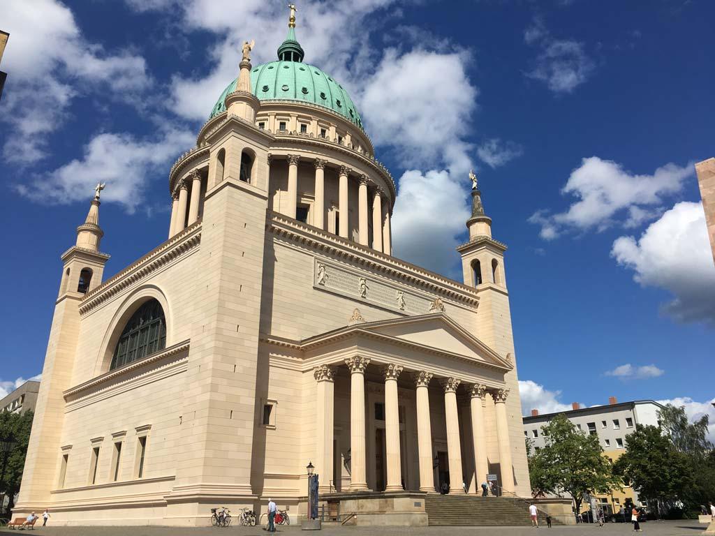 Nikolaikirche von der Seite