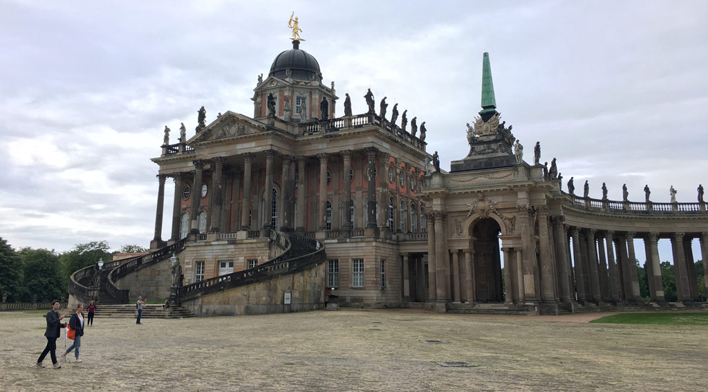 Neues Palais Potsdam Menschen