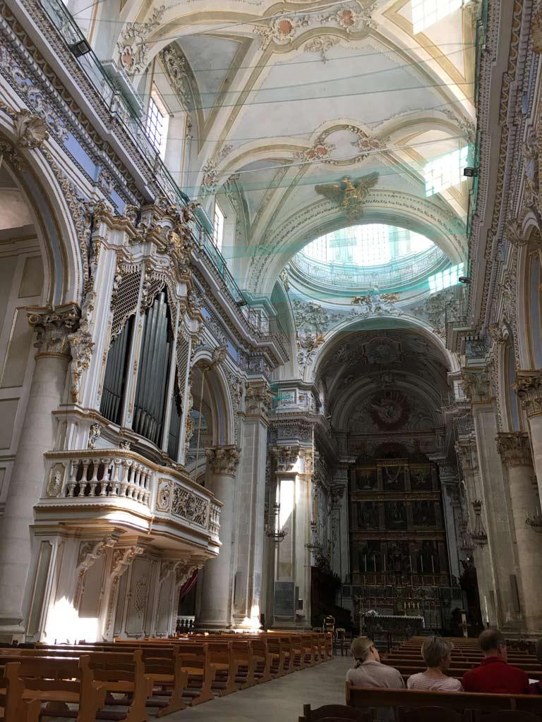 Kirche San Giorgio Modica innen