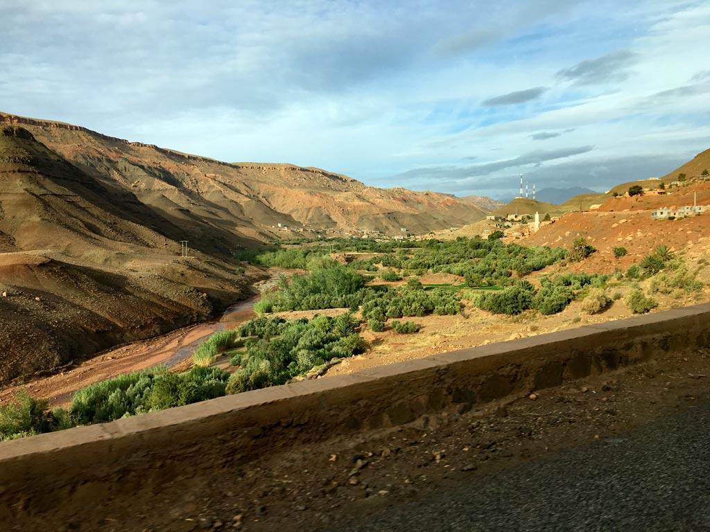 Marokko Tal grün Berge