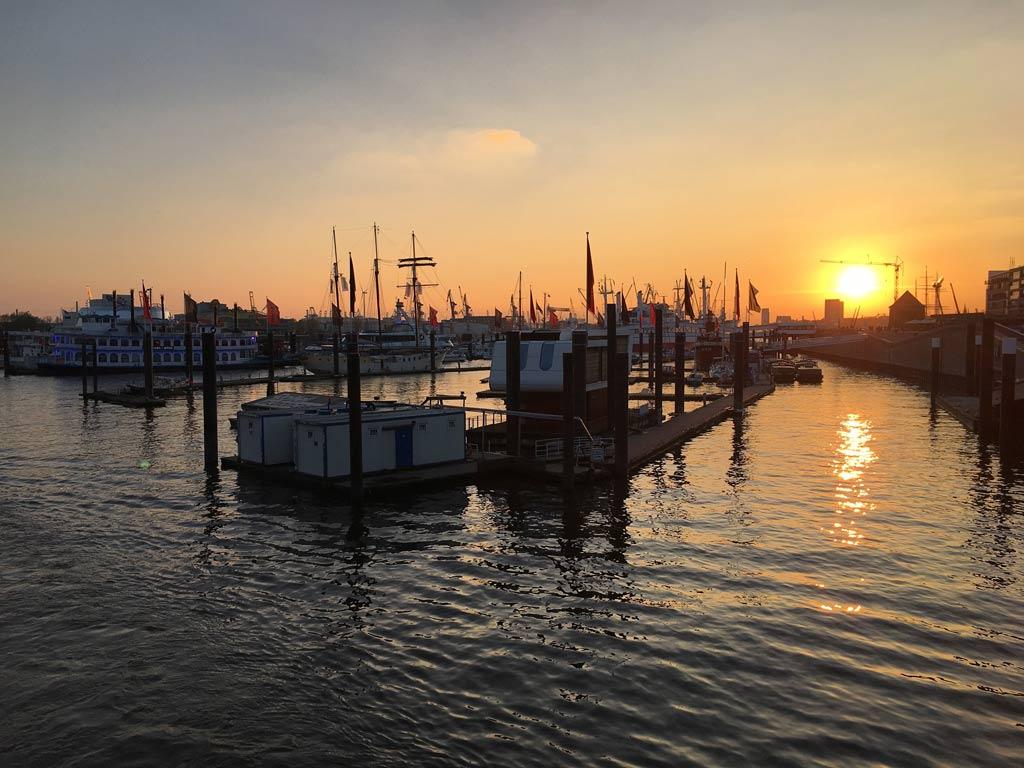 Sonnenuntergang Hafen Elbe