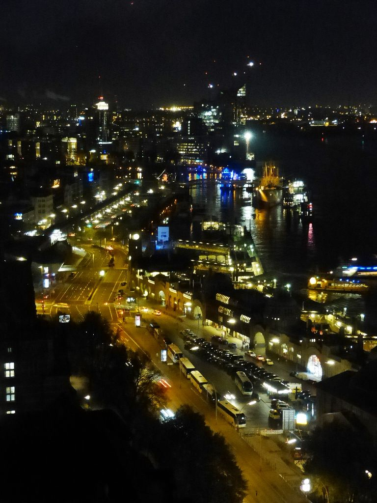 View from 20up Bar in Empire Riversite Hotel Hamburg