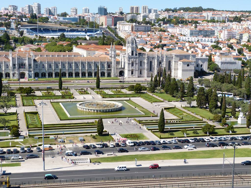 moments of travel in Lisbon, Portugal (2)