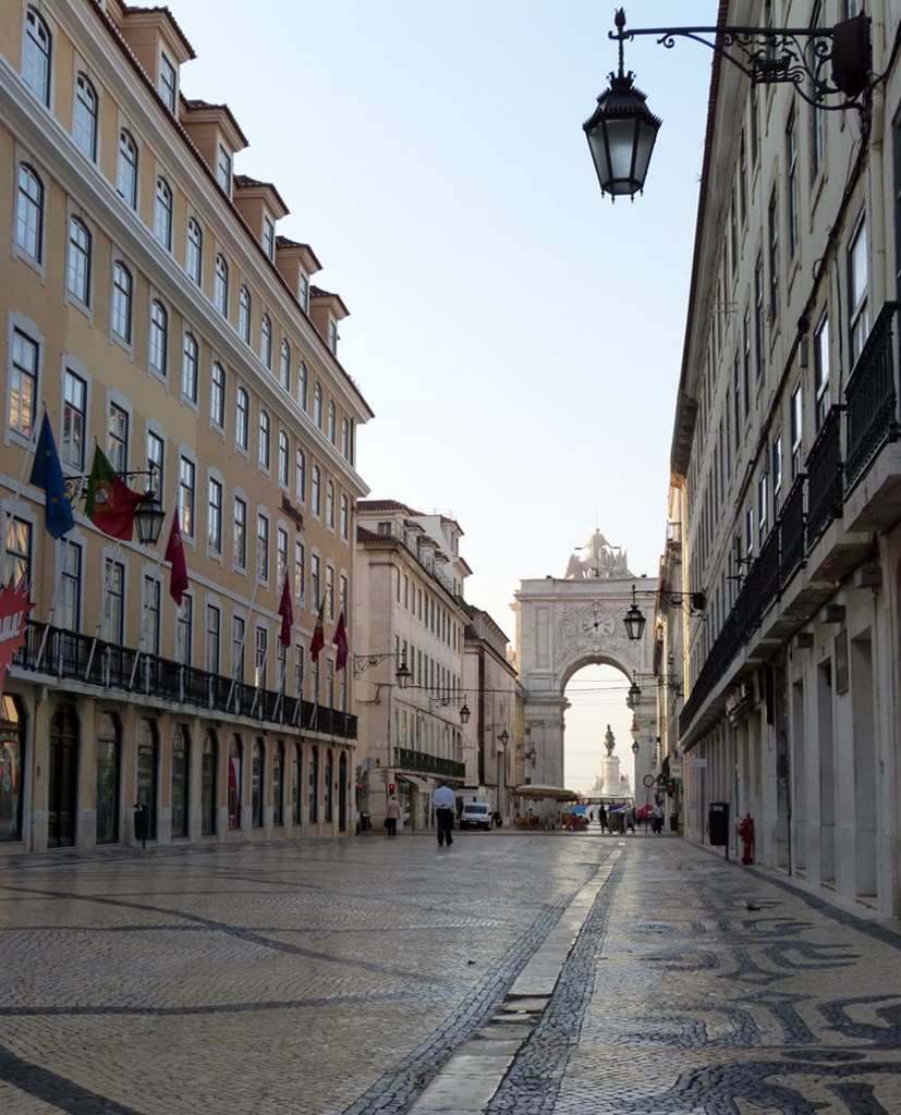 moments of travel morning walk in Lisbon, Portugal (5)