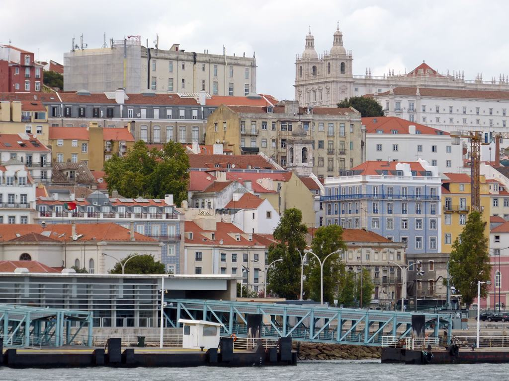 moments of travel on yellow boat tour in Lisbon, Portugal (11)