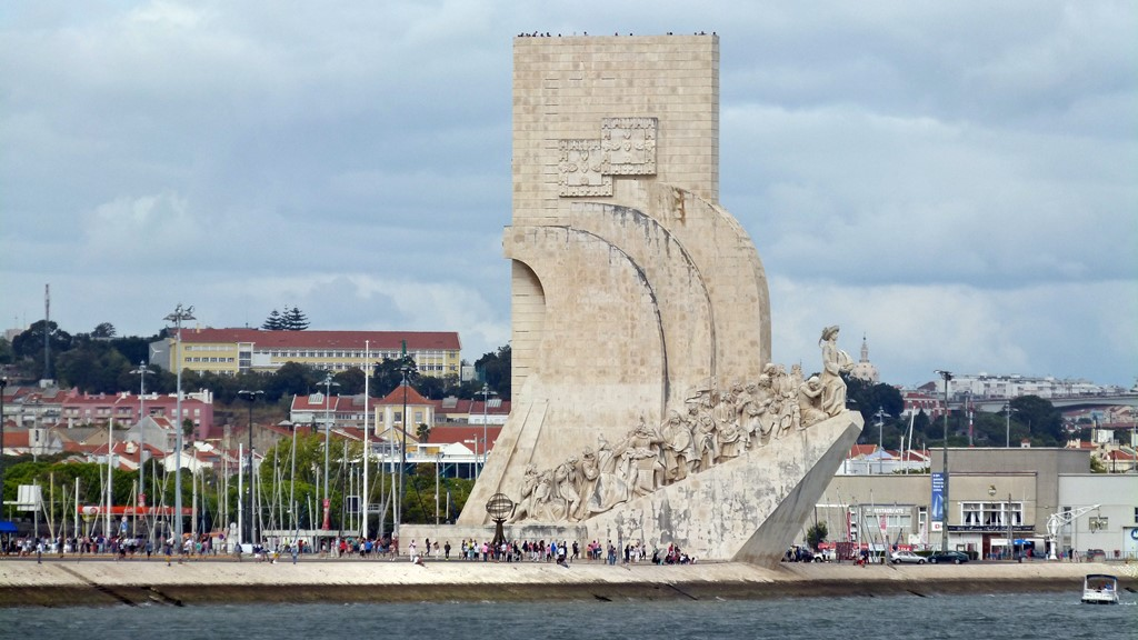 moments of travel on yellow boat tour in Lisbon, Portugal (23)