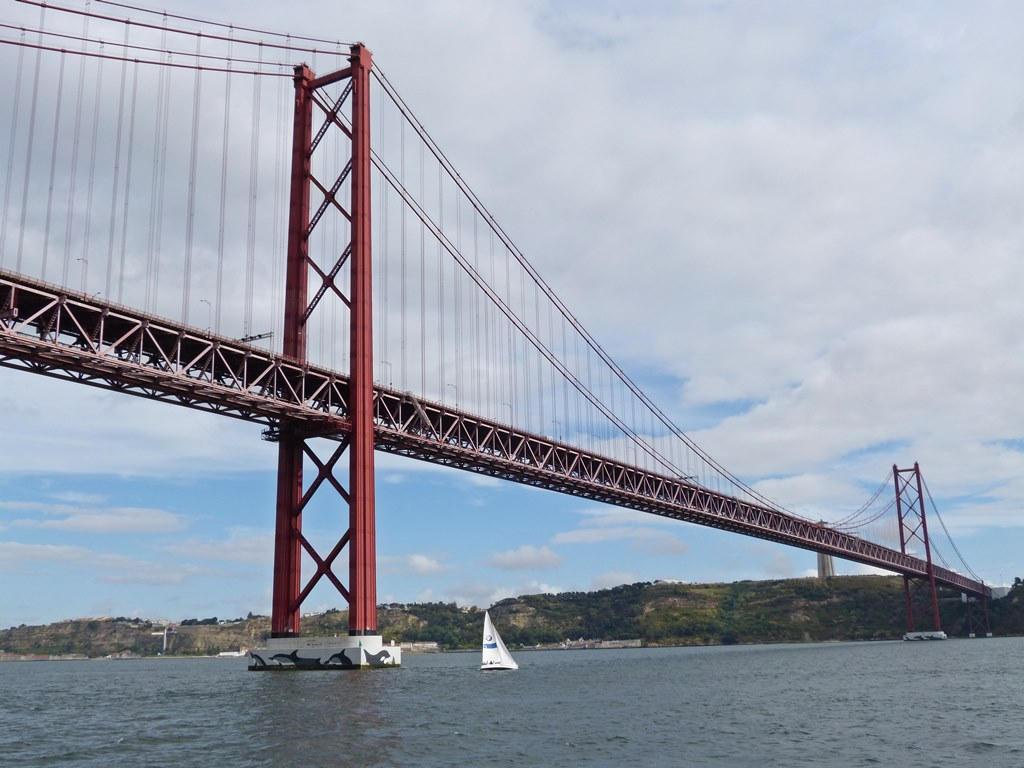 moments of travel on yellow boat tour in Lisbon, Portugal (29)