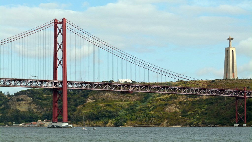 moments of travel on yellow boat trip in Lisbon, Portugal (31)