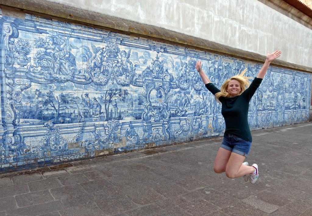 10 must dos in porto - Porto Se Cathedral - momentsoftravel.com