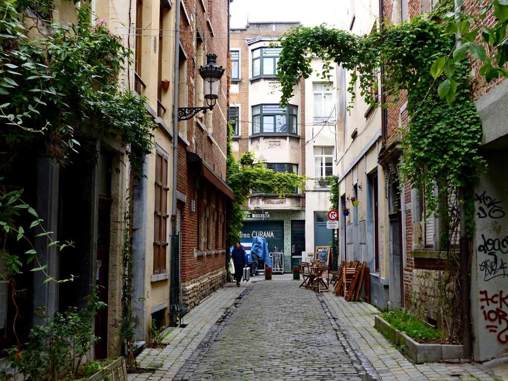 Kleine, enge Gasse in Brüssel, 48 Stunden Brüssel
