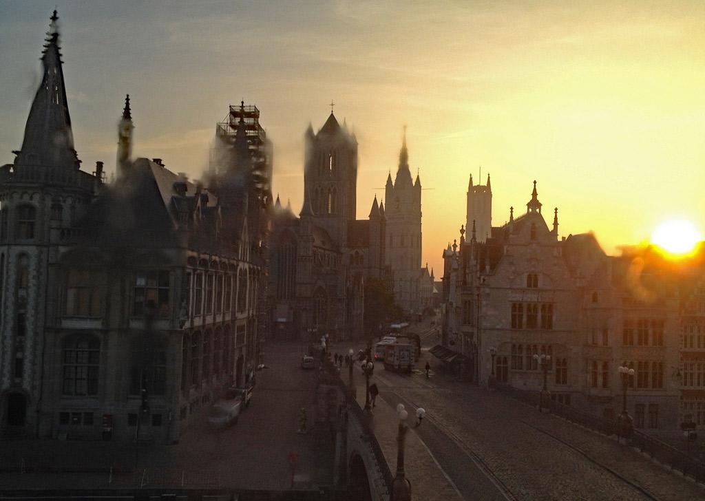 Sonnenaufgang, historischer Stadtkern Gent, Gent Sehenswürdigkeiten, Moments of Travel
