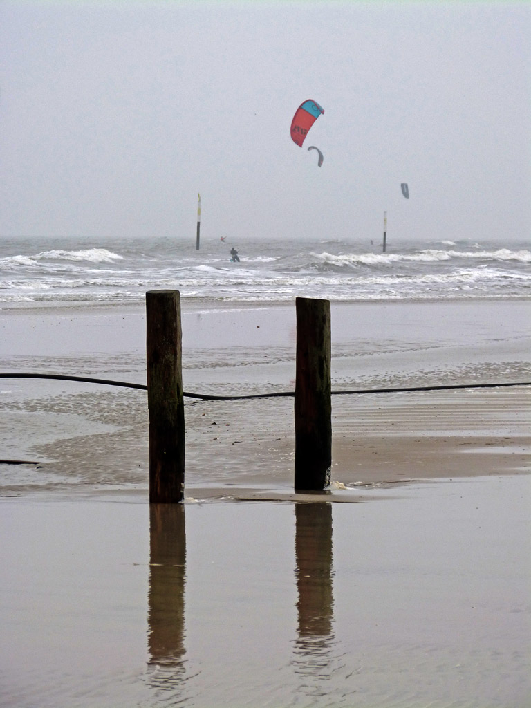 Holzpfähle Wasser Kite St. Peter-Ording