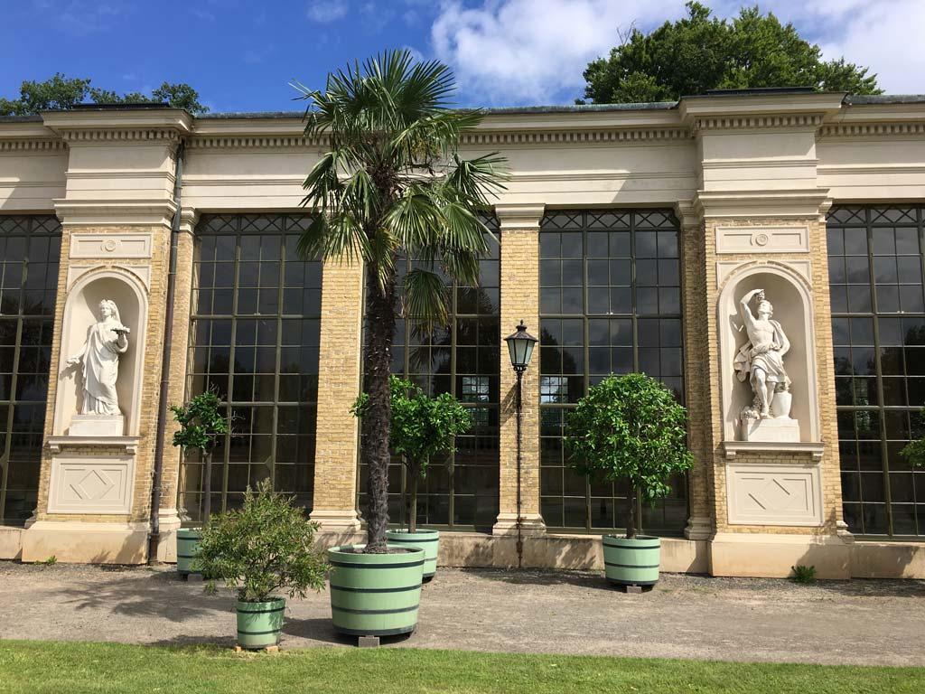 Palme Statue Glas Potsdam Orangerie