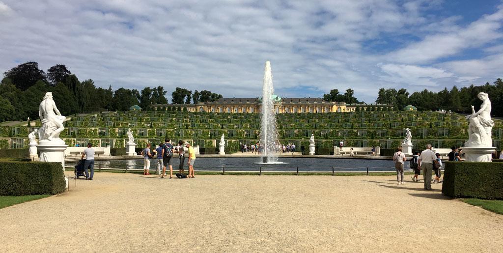Schloss Brunnen Potsdam Schlosspark