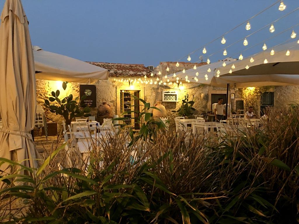Marzamemi Lichterkette Restaurant